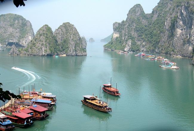 Mùa thu trên vịnh Hạ Long