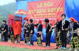Tưng bừng lễ hội hát giao duyên ở Tả Phìn