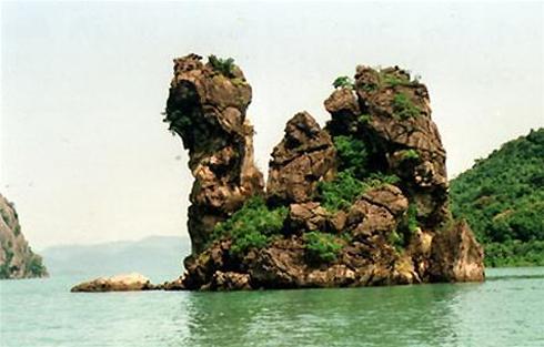 Nét văn hóa cổ trong hang động Bái Tử Long