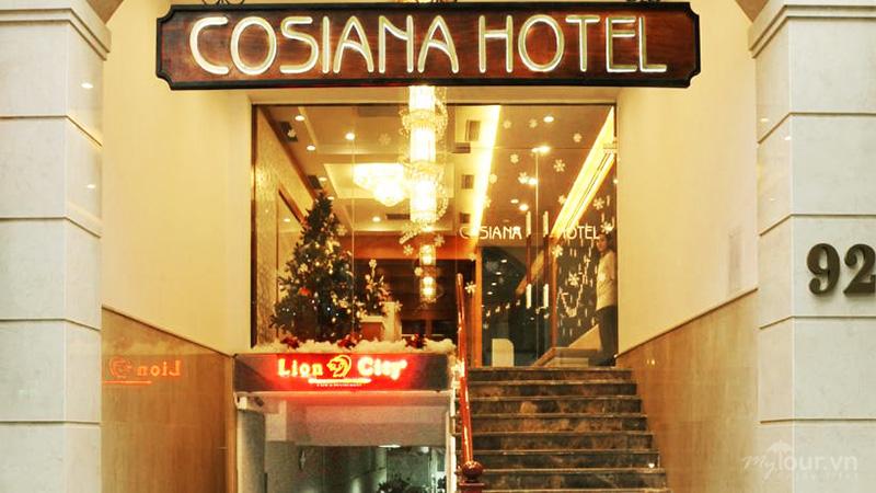 Từ ngoài nhìn vào khách sạn Cosiana Sapa