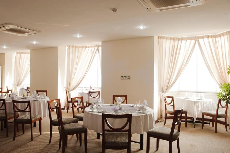 Nhà hàng Ánh trăng của khách sạn Suối Mơ
