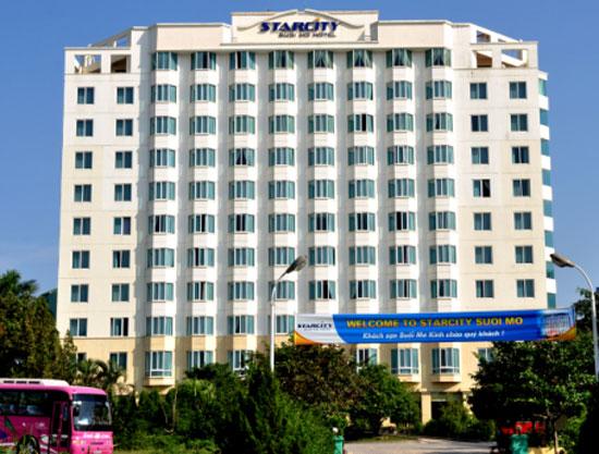 Khách sạn Suối Mơ gồm 12 tầng được xây dựng theo tiêu chuẩn 4 sao