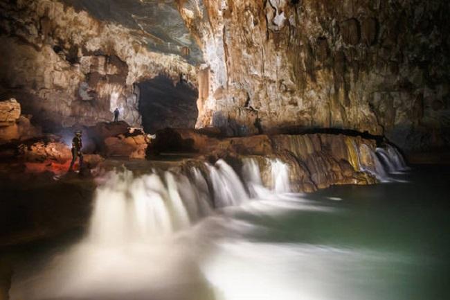 Vẻ đẹp kỳ vĩ trong hang Tú Làn