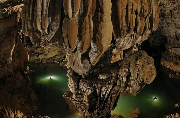 Bên trong hang Sơn Đoòng
